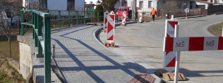 Oprava chodníku a veřejných ploch v obci Kozlov